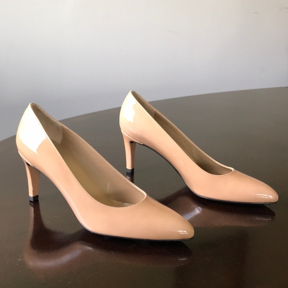 Glossy Cream 6m Pointed Toe Pumps